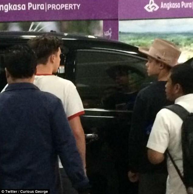 Gia đình Beckham có mặt ở Indonesia trong lúc xảy ra thảm họa động đất khiến 142 người chết - Ảnh 2.