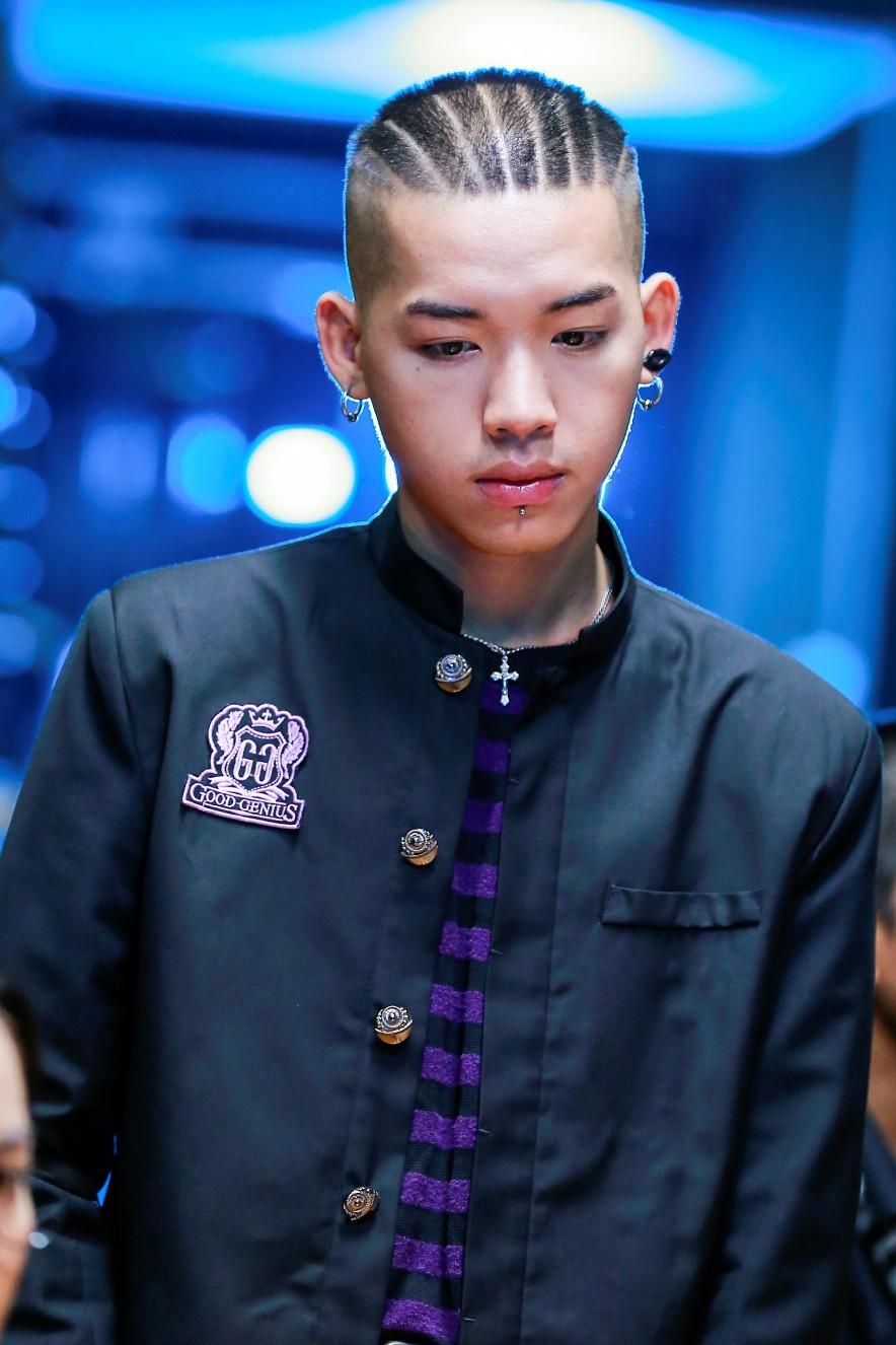 Wean là một rapper đình đám cũng là người sáng lập của Lazythink