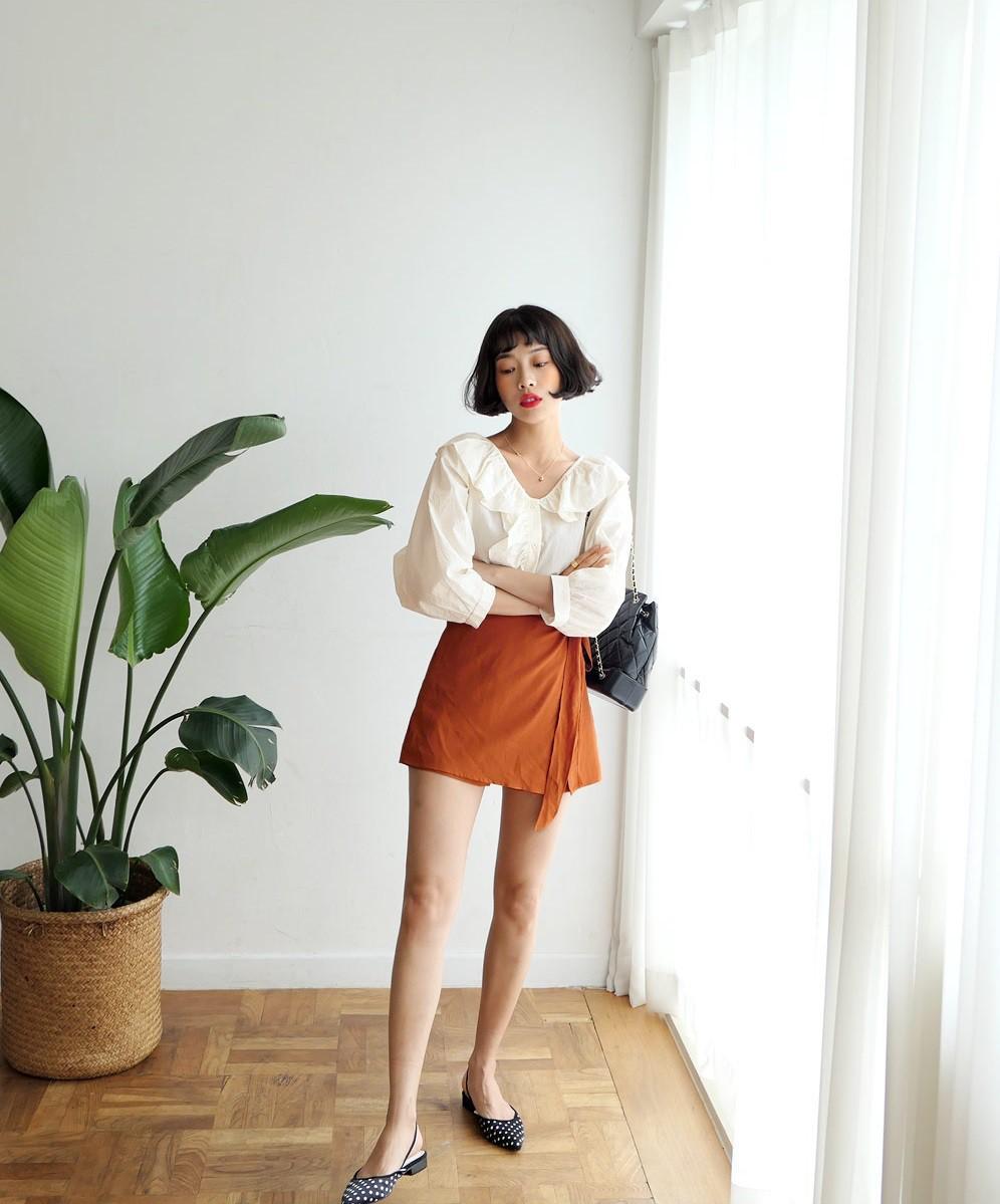 4 kiểu chân váy ngắn diện lên trẻ trung hết sức, lại còn giúp khoe triệt để đôi chân thon gọn nuột nà - Ảnh 14.