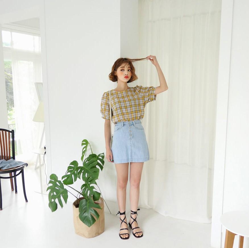 4 kiểu chân váy ngắn diện lên trẻ trung hết sức, lại còn giúp khoe triệt để đôi chân thon gọn nuột nà - Ảnh 3.
