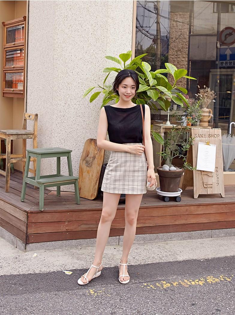 4 kiểu chân váy ngắn diện lên trẻ trung hết sức, lại còn giúp khoe triệt để đôi chân thon gọn nuột nà - Ảnh 5.