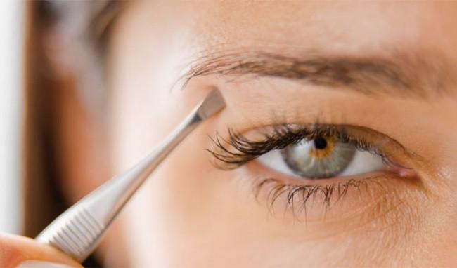 Cải thiện tình trạng rụng lông mày đáng lo ngại mà ai cũng mắc phải - Ảnh 2.