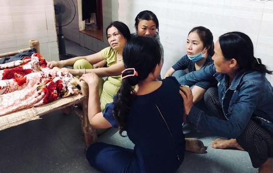 Sản phụ mang thai 14 tuần tử vong khi phẫu thuật, người nhà bao vây bệnh viện - Ảnh 2.