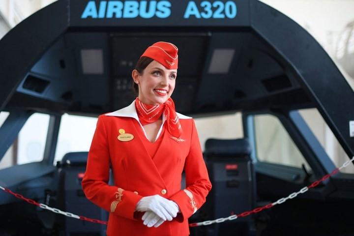 Cận cảnh lò đào tạo các nữ tiếp viên hàng không Nga xinh đẹp - Ảnh 2.