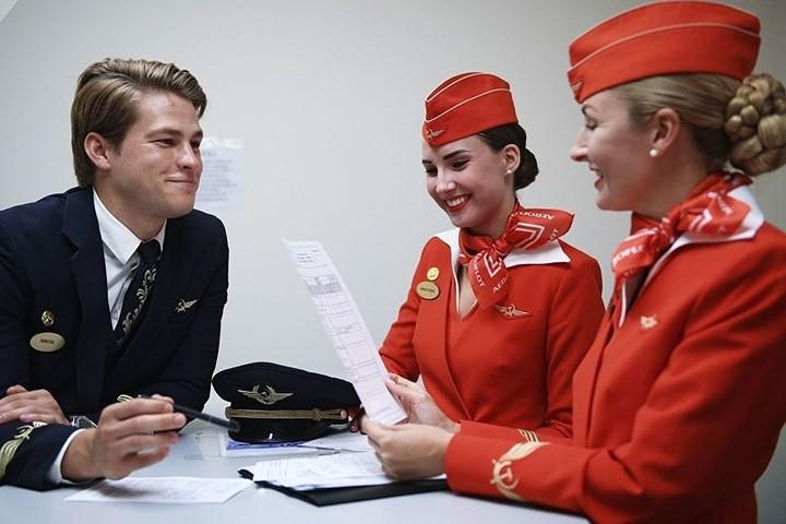 Cận cảnh lò đào tạo các nữ tiếp viên hàng không Nga xinh đẹp - Ảnh 12.