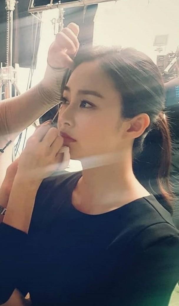 """Đẳng cấp nhan sắc của """"gái một con"""" U40 Kim Tae Hee: Càng trang điểm tự nhiên lại càng đẹp đến nao lòng - Ảnh 5."""