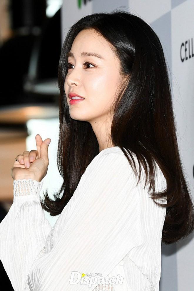 """Đẳng cấp nhan sắc của """"gái một con"""" U40 Kim Tae Hee: Càng trang điểm tự nhiên lại càng đẹp đến nao lòng - Ảnh 7."""
