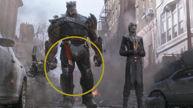 Chiếc khăn ngay eo của Cull Obsidian được cho là thuộc về Captain Marvel.