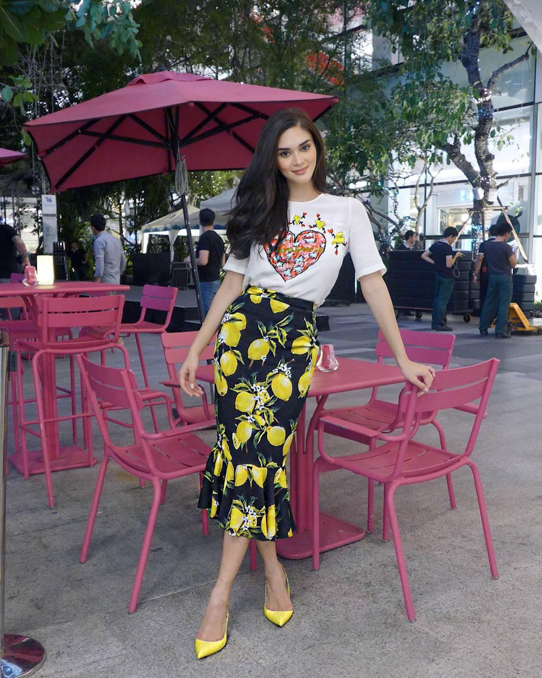 Sau 3 năm đăng quang, Hoa hậu Hoàn vũ Pia ngày càng gợi cảm cùng gu thời trang đẹp xuất sắc - Ảnh 11.