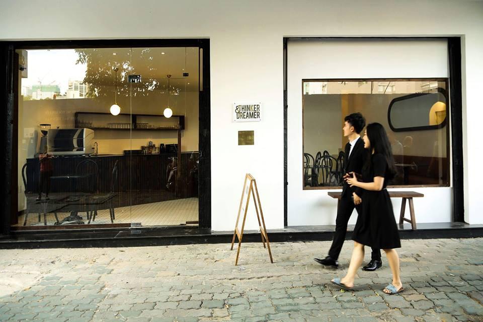 Chỉ trong 1 tuần, Sài Gòn đã có 3 quán cà phê mới và quán nào cũng siêu đẹp! - Ảnh 15.
