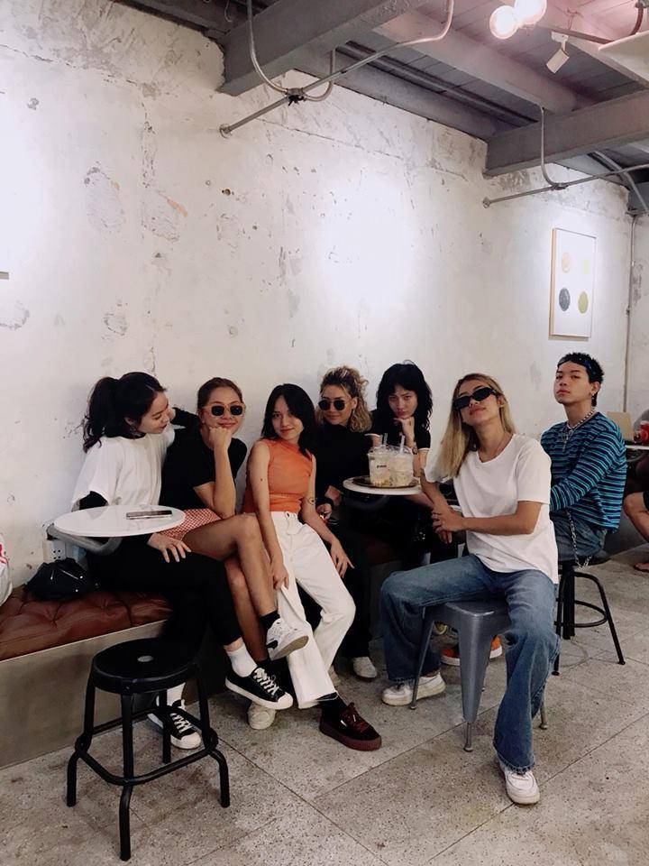 Chỉ trong 1 tuần, Sài Gòn đã có 3 quán cà phê mới và quán nào cũng siêu đẹp! - Ảnh 7.