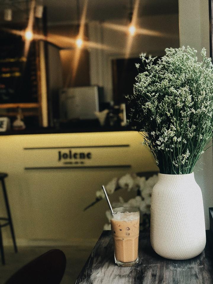 Chỉ trong 1 tuần, Sài Gòn đã có 3 quán cà phê mới và quán nào cũng siêu đẹp! - Ảnh 25.