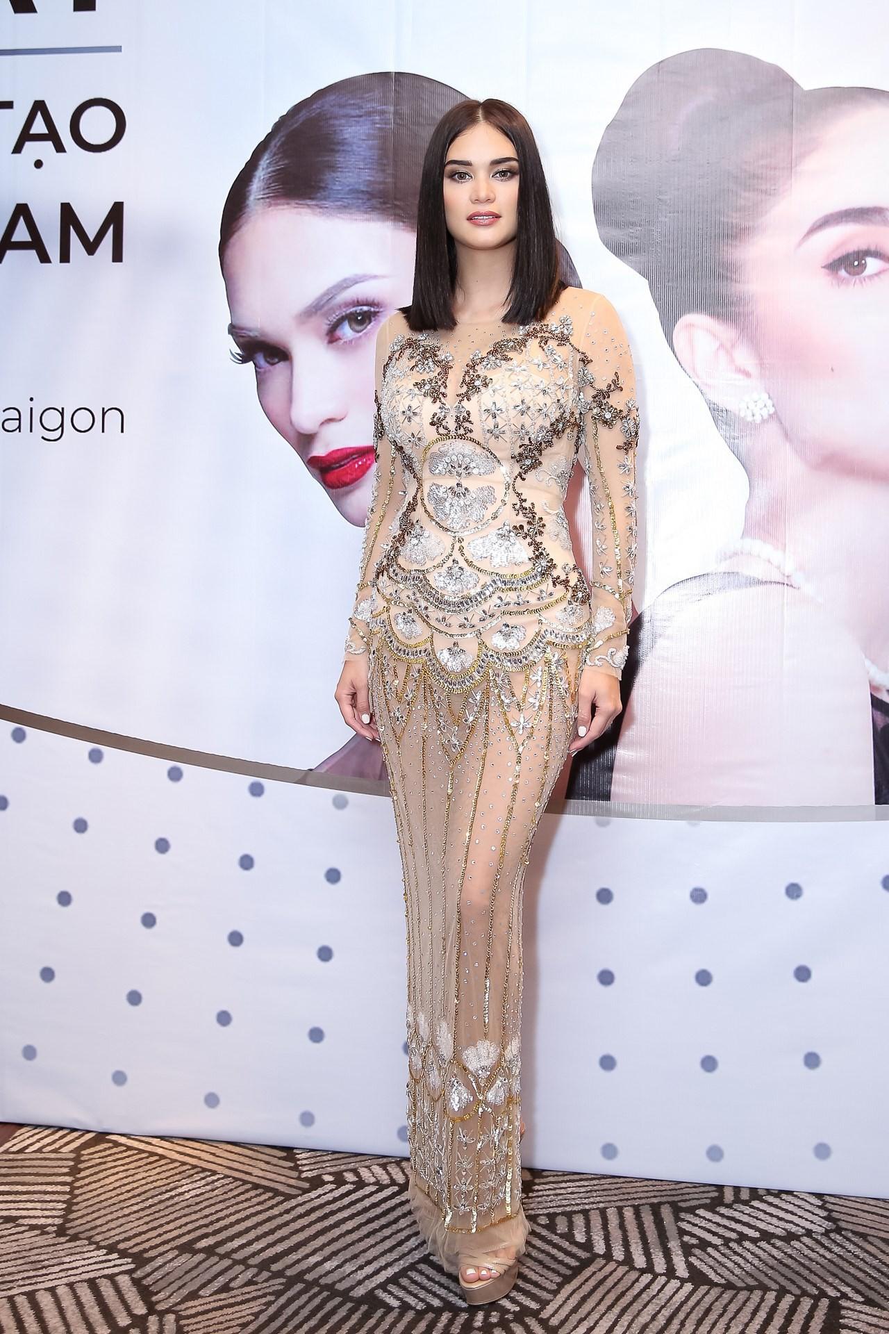 Sau 3 năm đăng quang, Hoa hậu Hoàn vũ Pia ngày càng gợi cảm cùng gu thời trang đẹp xuất sắc - Ảnh 3.