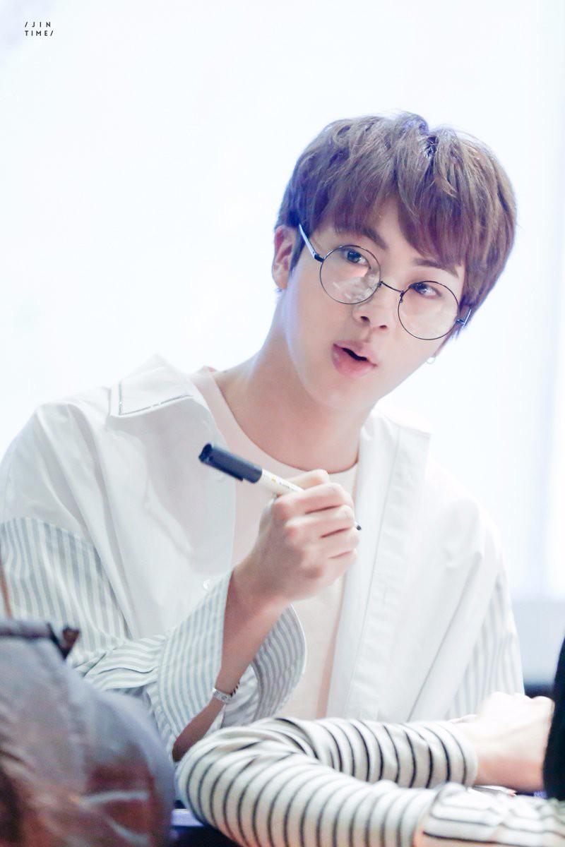 Nhờ Jin (BTS), con gái của huyền thoại nhạc rock Hàn Quốc mới bắt đầu tìm hiểu về... người bố nổi tiếng - Ảnh 3.