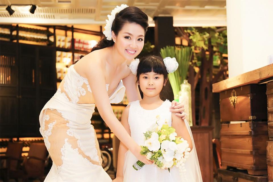 Lê Khánh kỉ niệm 16 năm yêu với ông xã trước khi lâm bồn chào đón con đầu lòng - Ảnh 4.