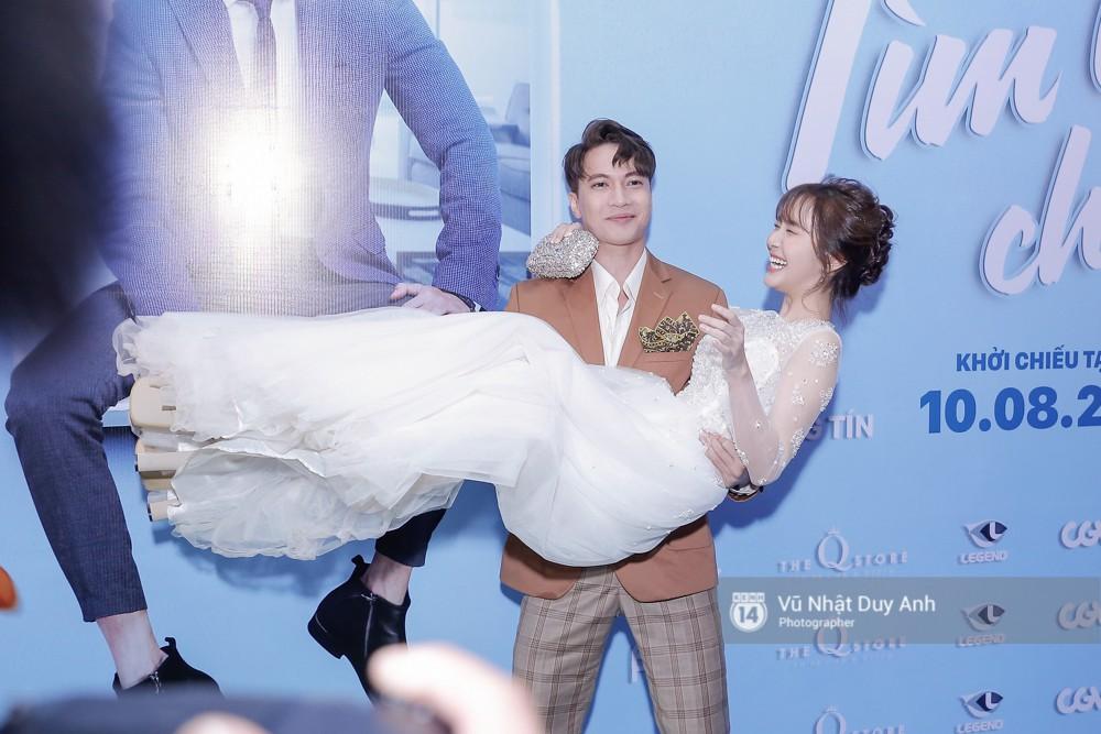 Trong khi đó, S.T bồng Jang Mi trên thảm đỏ, ở dự án lần này hai người có nhiều cảnh thân mật