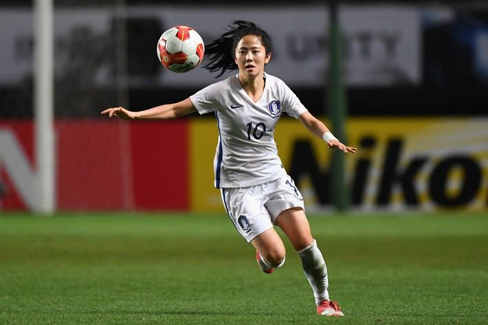 Nhan sắc xinh đẹp của nữ tiền vệ Hàn Quốc dự ASIAD 2018 - Ảnh 2.