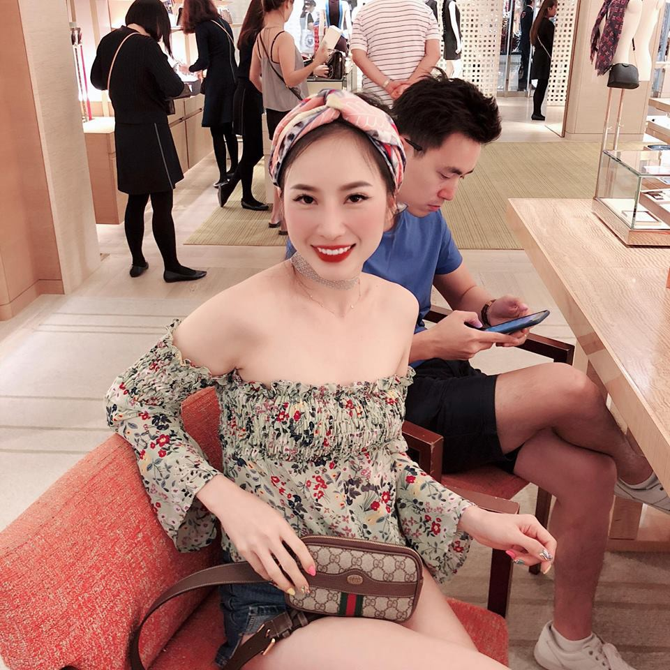 Xari Nguyễn - vợ hai Đăng Nguyên khoe ảnh đi chơi ở Singapore, úp mở chuyện có bầu lần 2 - Ảnh 2.