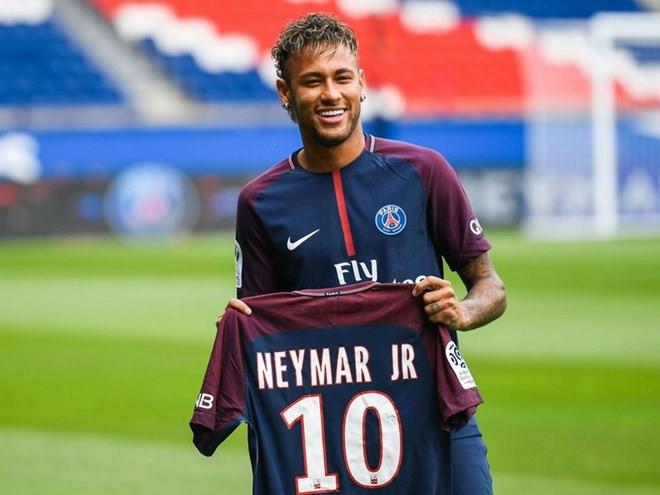 Nhìn lại một năm sau vụ siêu bom tấn Neymar: Ai được, ai mất? - Ảnh 1.