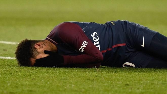 Nhìn lại một năm sau vụ siêu bom tấn Neymar: Ai được, ai mất? - Ảnh 2.