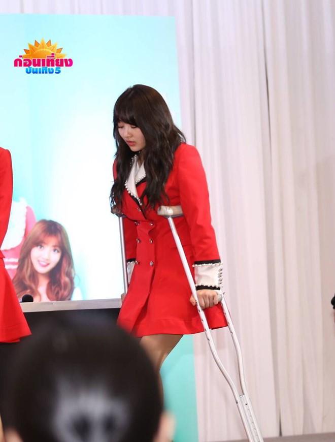 Những thành viên nhọ nhất Kpop: Bị chấn thương ngay thời điểm nhóm vừa comeback - Ảnh 3.