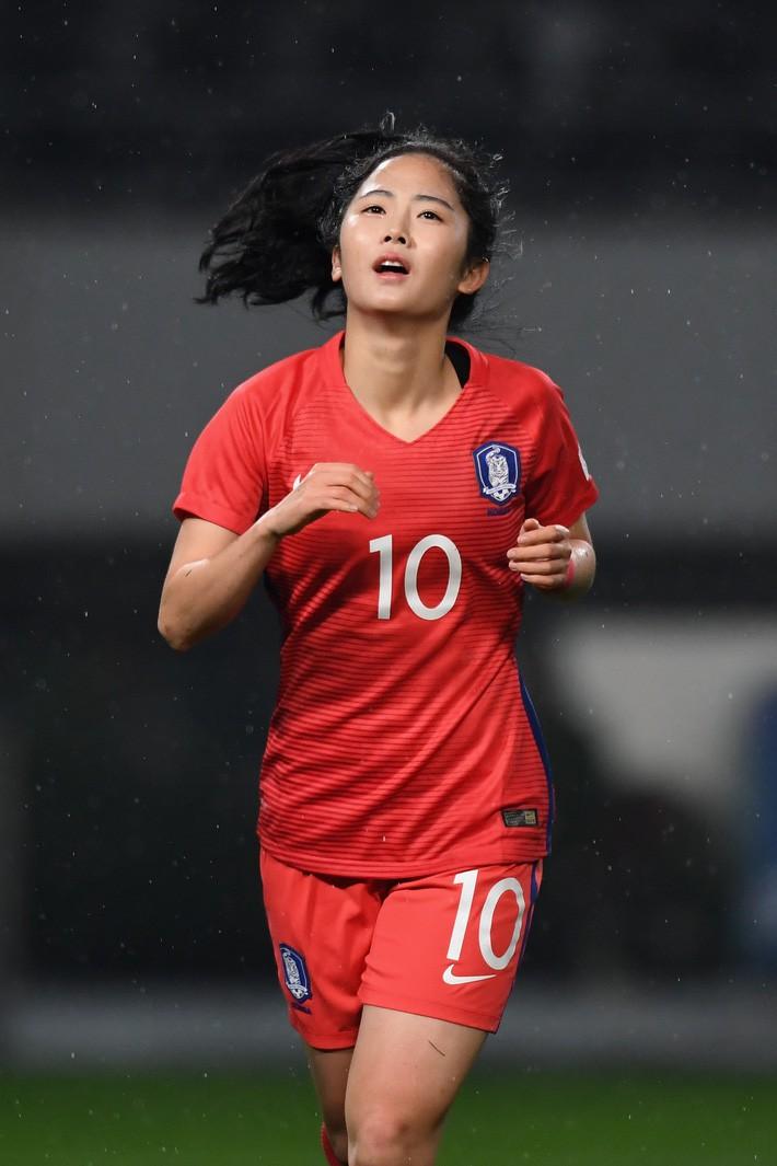 Nhan sắc xinh đẹp của nữ tiền vệ Hàn Quốc dự ASIAD 2018 - Ảnh 3.