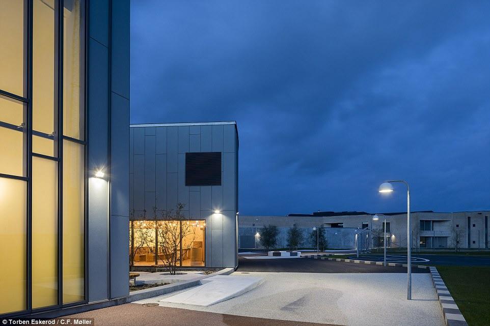 Nhà tù nhân đạo nhất thế giới ở Đan Mạch: Khuôn viên như khách sạn 5 sao, tù nhân thoải mái sinh hoạt và giải trí như ở nhà - Ảnh 4.