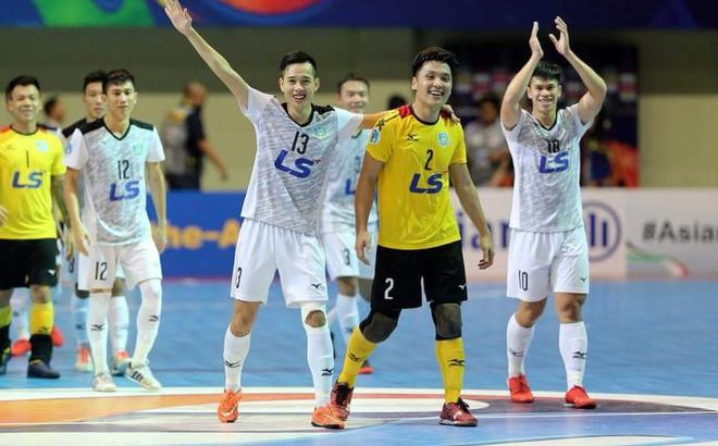 """HLV CLB Nhật Bản quá đau đớn, """"không biết phải nói gì"""" khi bị đội bóng Việt Nam đả bại - Ảnh 1."""