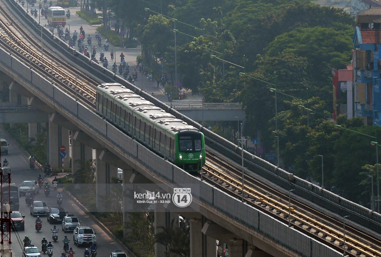 Clip: Hành trình 15 phút đoàn tàu đường sắt trên cao lao vun vút từ ga Cát Linh tới Yên Nghĩa - Ảnh 16.