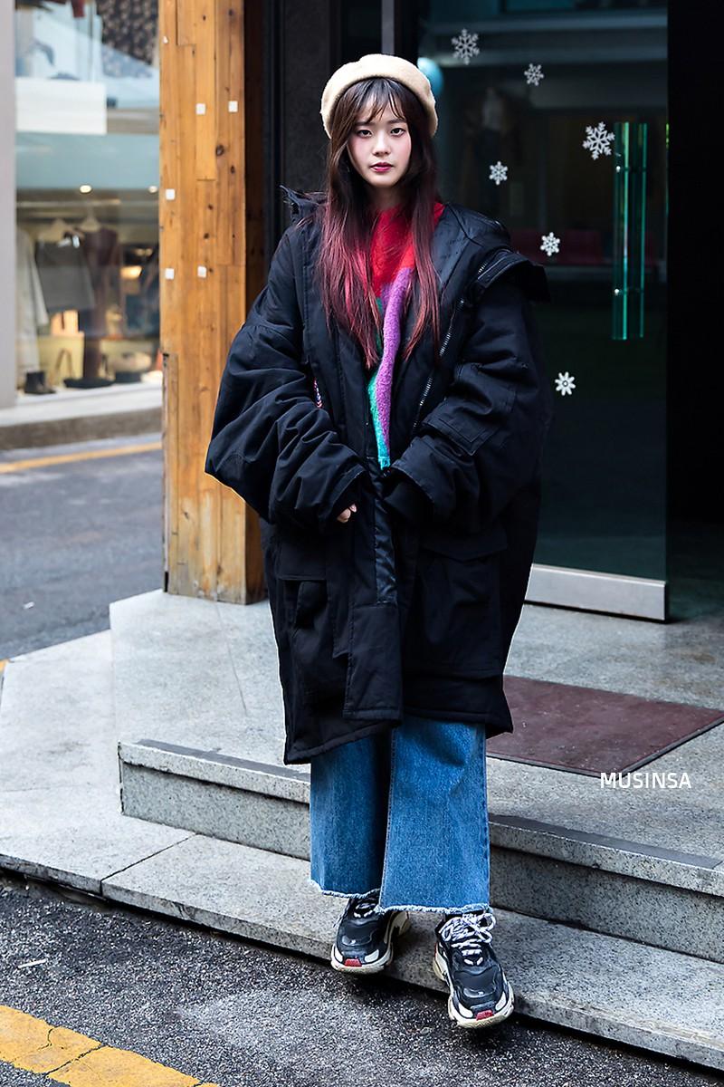 Giới trẻ Hàn chứng minh có nhồi nhiều quần áo đến mấy, chỉ cần biết cách thì outfit vẫn đẹp ngất như thường - Ảnh 11.