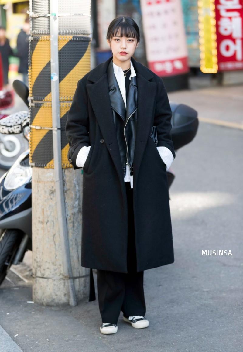 Học theo street style hay ho của giới trẻ Hàn, bạn sẽ chẳng lo bị chê ăn vận nhàm chán nữa - Ảnh 10.