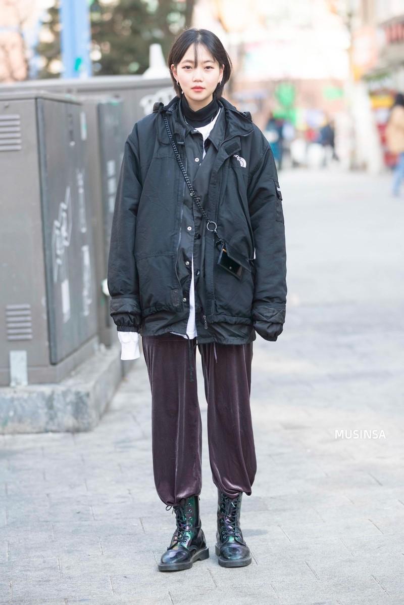 Học theo street style hay ho của giới trẻ Hàn, bạn sẽ chẳng lo bị chê ăn vận nhàm chán nữa - Ảnh 8.