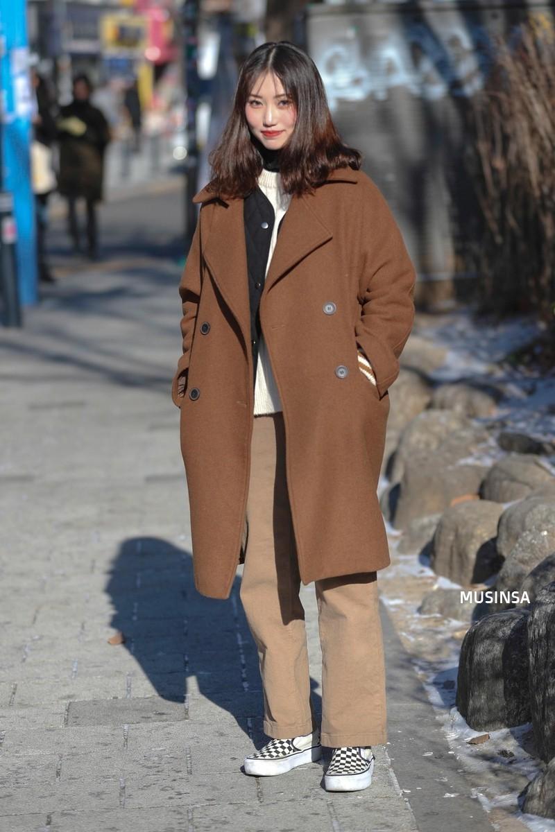 Học theo street style hay ho của giới trẻ Hàn, bạn sẽ chẳng lo bị chê ăn vận nhàm chán nữa - Ảnh 4.