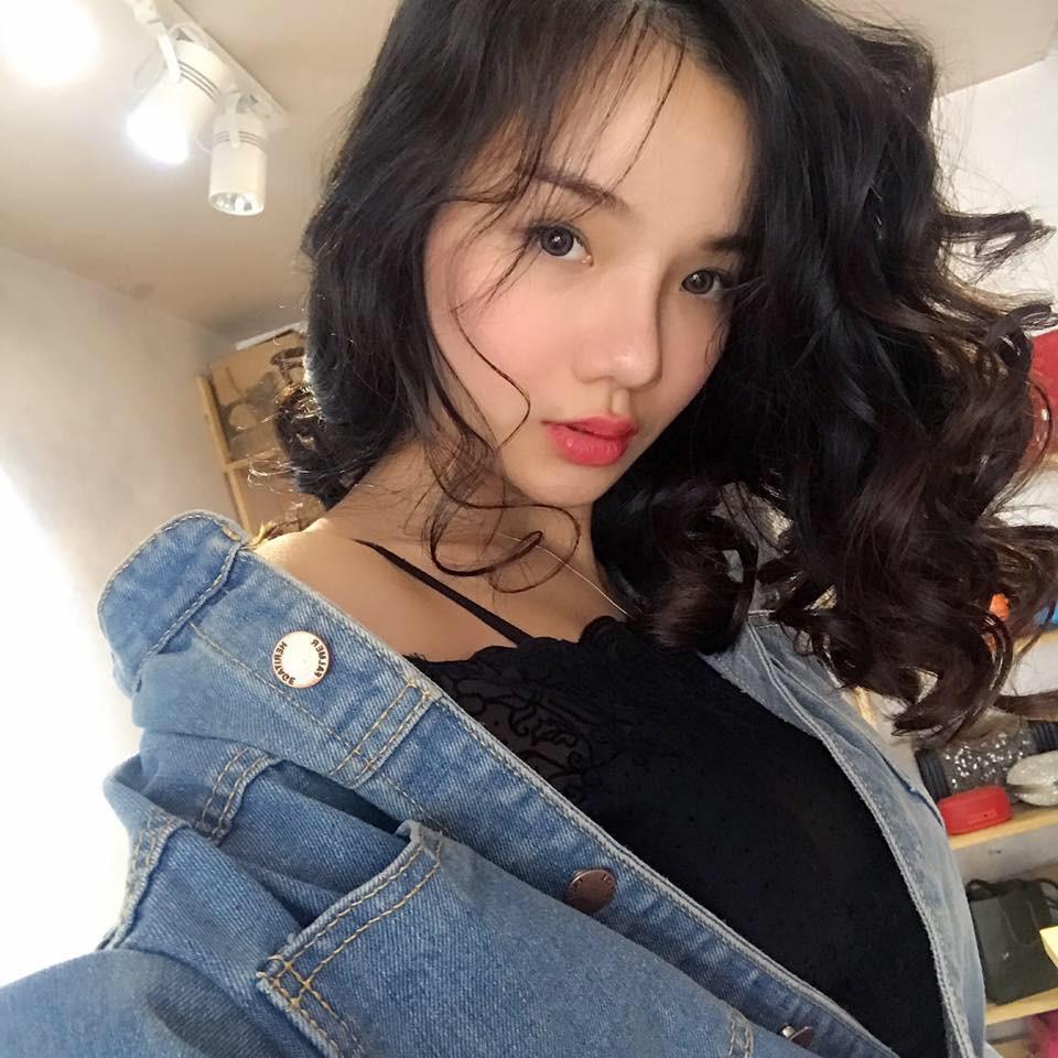 Đã tìm ra info của nàng CĐV Việt Nam xinh đẹp xuất hiện trên truyền hình Hàn Quốc - Ảnh 6.