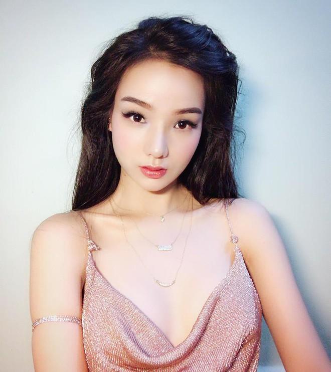 Đã tìm ra info của nàng CĐV Việt Nam xinh đẹp xuất hiện trên truyền hình Hàn Quốc - Ảnh 13.
