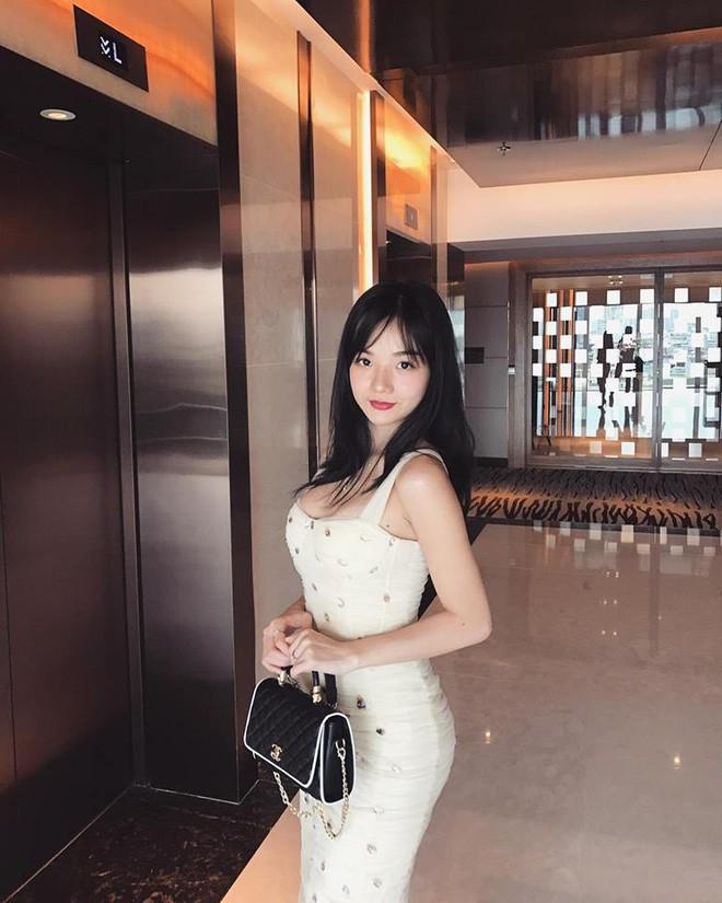 Đã tìm ra info của nàng CĐV Việt Nam xinh đẹp xuất hiện trên truyền hình Hàn Quốc - Ảnh 12.