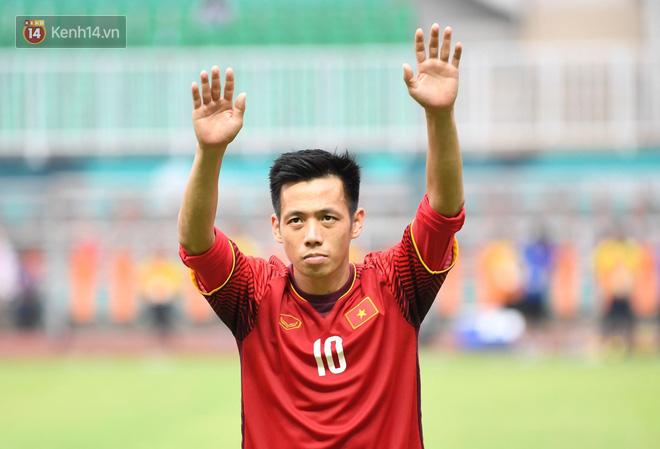 Minh Vương ôm mặt, Quang Hải lặng người sau thất bại trên chấm 11m - Ảnh 8.