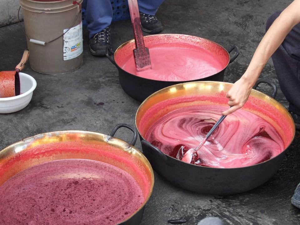 Khám phá cách làm kem truyền thống của người Ecuador từ thời... chưa có tủ lạnh - Ảnh 3.