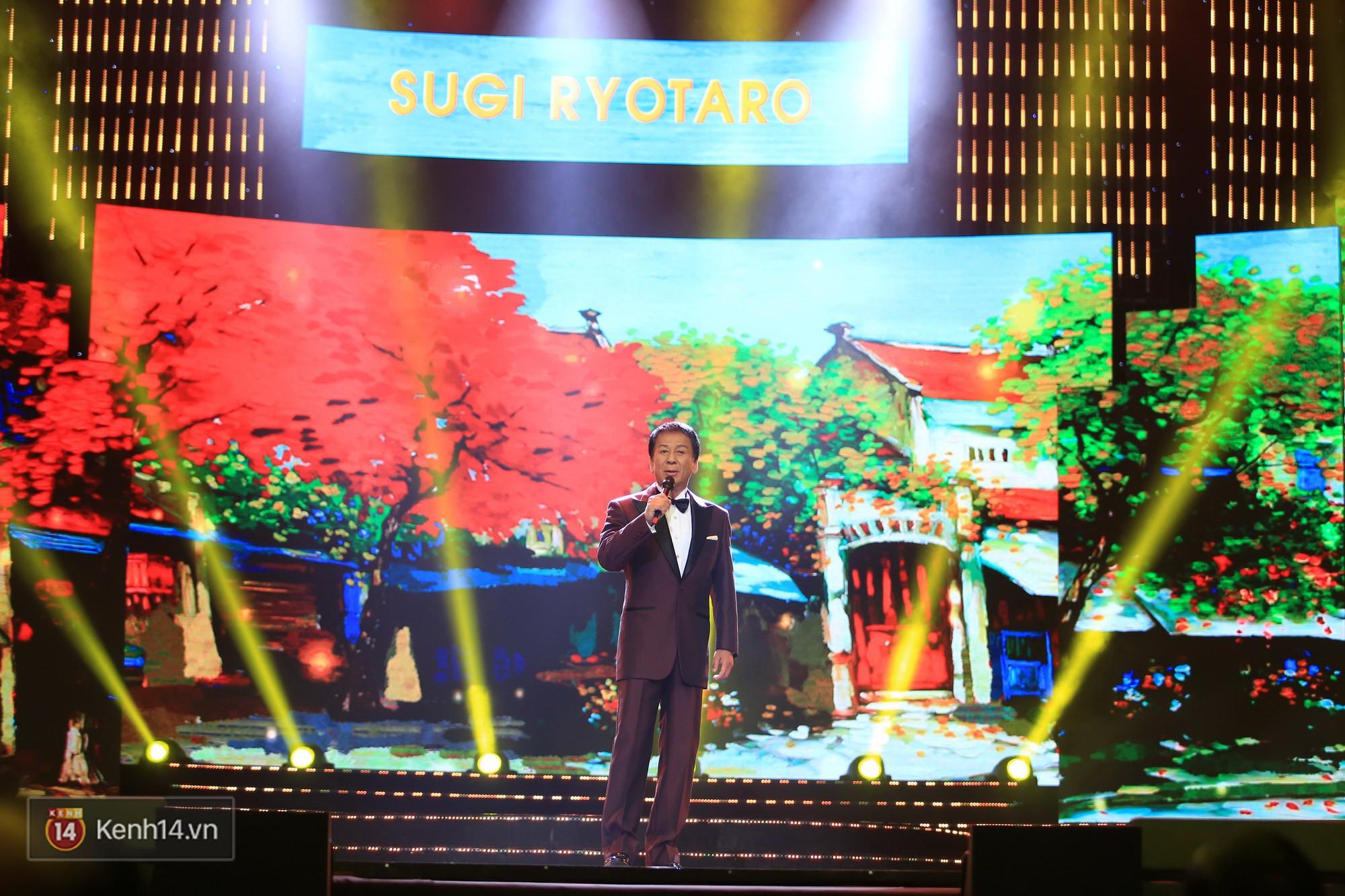 Clip: Đông Nhi và hiện tượng âm nhạc thế giới Bút dứa - Táo bút đốt cháy sân khấu bằng loạt hit đình đám - Ảnh 15.