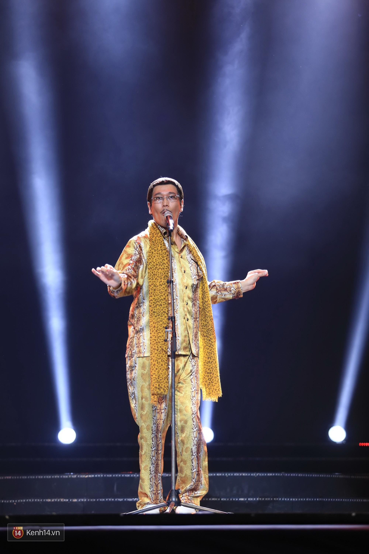 Clip: Đông Nhi và hiện tượng âm nhạc thế giới Bút dứa - Táo bút đốt cháy sân khấu bằng loạt hit đình đám - Ảnh 9.
