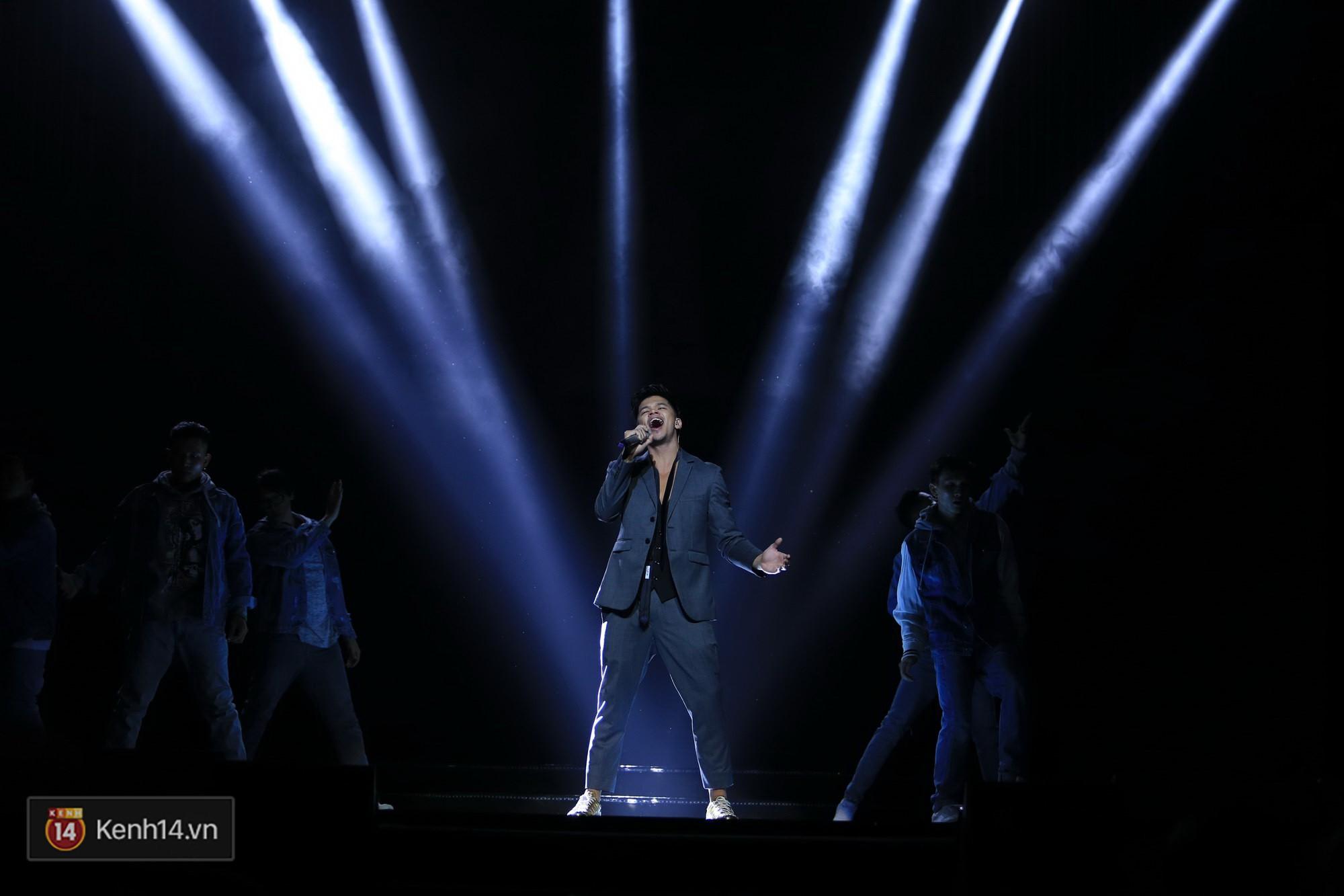 Clip: Đông Nhi và hiện tượng âm nhạc thế giới Bút dứa - Táo bút đốt cháy sân khấu bằng loạt hit đình đám - Ảnh 13.