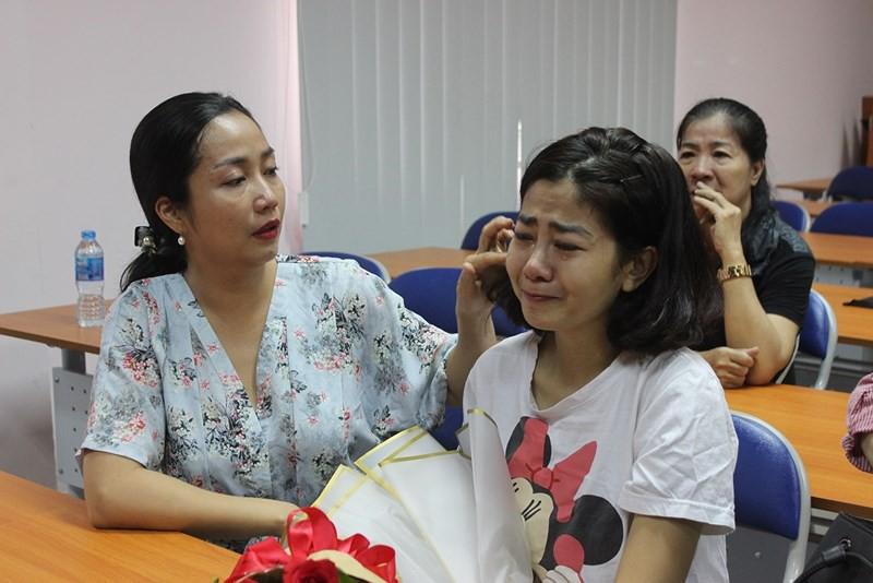 Mai Phương bật khóc vì xúc động trong ngày xuất viện sau gần một tháng điều trị tích cực - Ảnh 1.