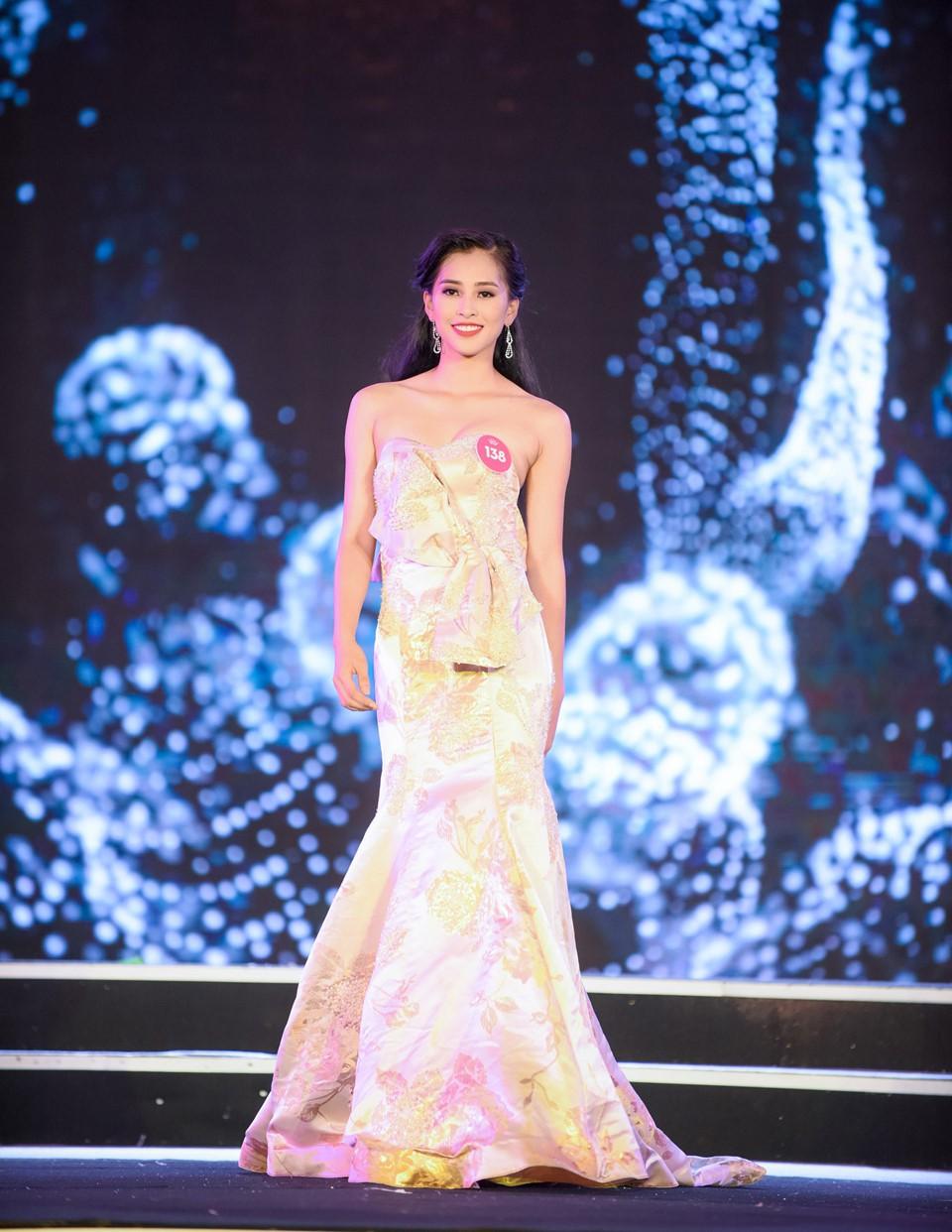 Những điều thú vị của dàn thí sinh lọt vào chung kết Hoa hậu Việt Nam 2018: Người eo nhỏ hơn cả Ngọc Trinh, người đỗ thạc sĩ tại Anh - Ảnh 12.