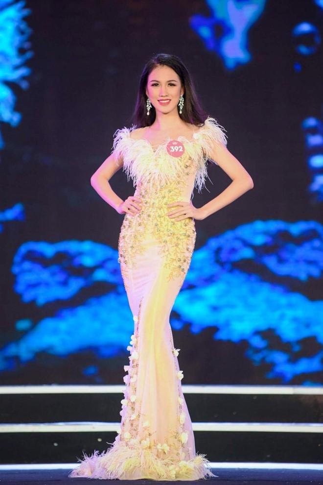 Những điều thú vị của dàn thí sinh lọt vào chung kết Hoa hậu Việt Nam 2018: Người eo nhỏ hơn cả Ngọc Trinh, người đỗ thạc sĩ tại Anh - Ảnh 21.