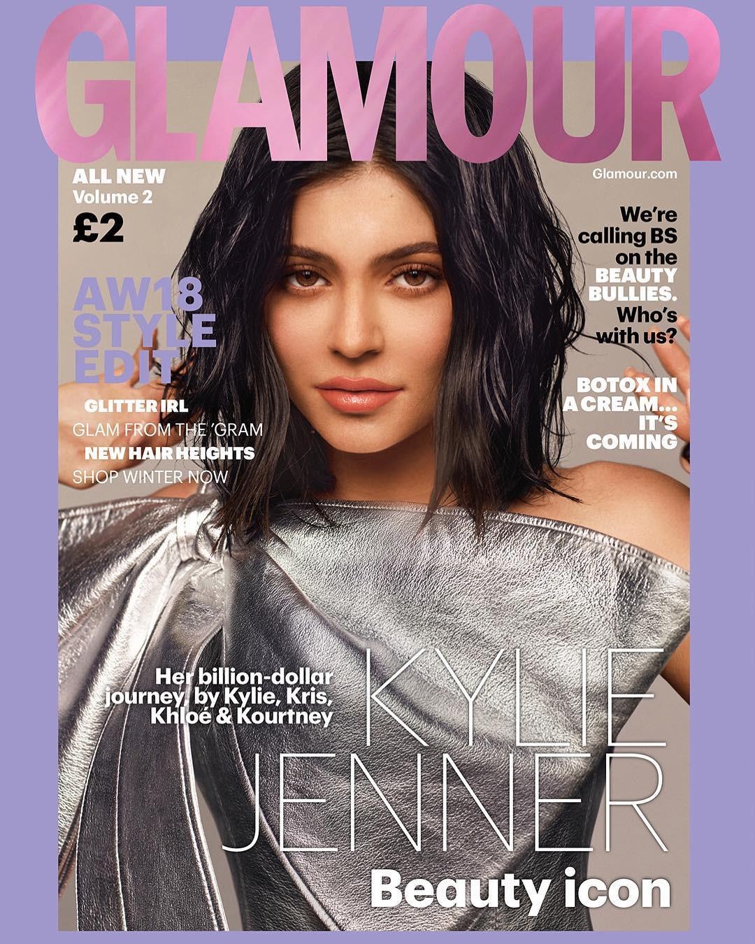 Rút bớt filler ra khỏi môi, Kylie Jenner như biến hình thành người khác mà vẫn xinh đẹp lung linh - Ảnh 3.