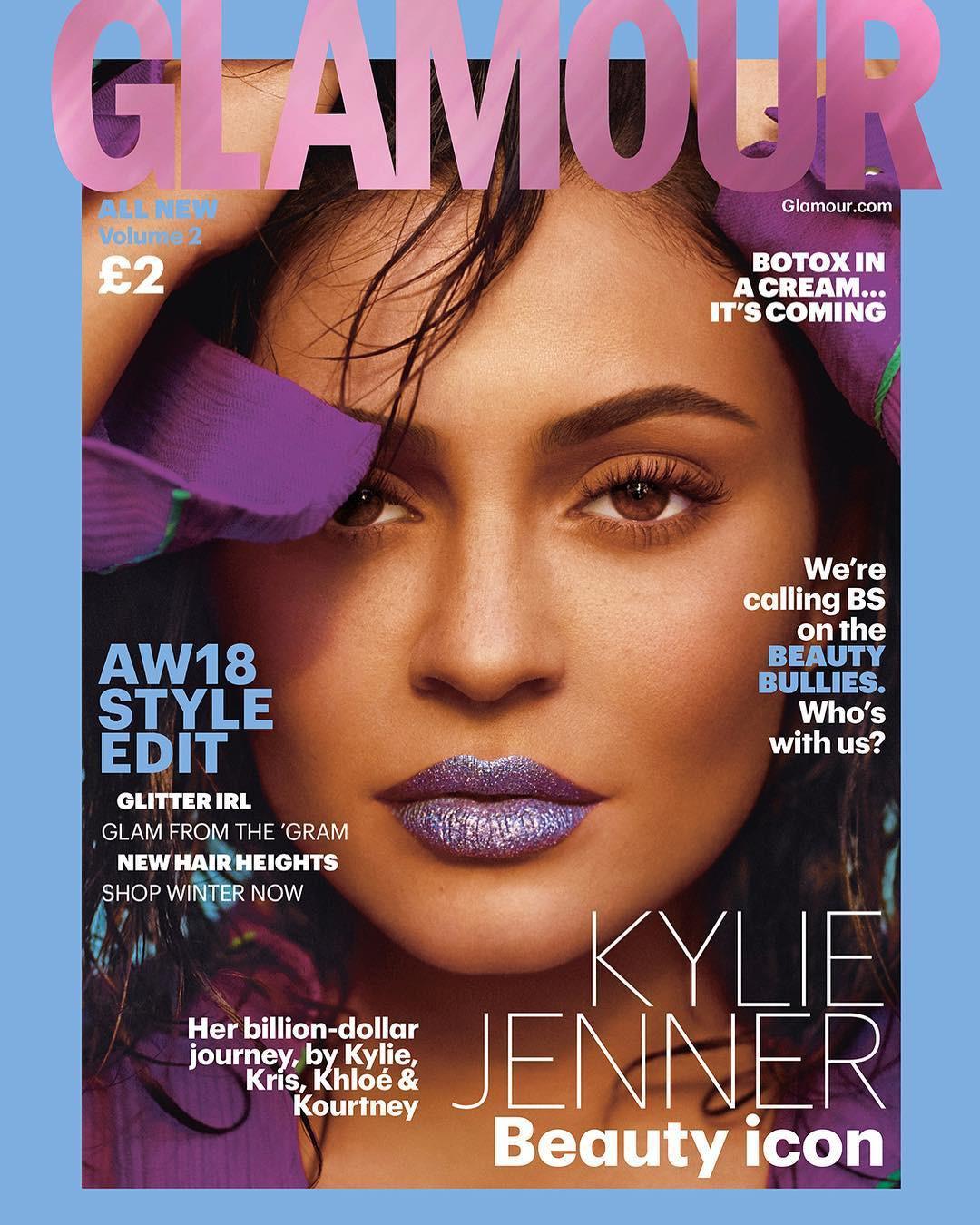 Rút bớt filler ra khỏi môi, Kylie Jenner như biến hình thành người khác mà vẫn xinh đẹp lung linh - Ảnh 1.