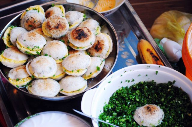 Khám phá con hẻm street-food ở Nha Trang mà chỉ 50k cũng có thể ăn đặc sản no căng - Ảnh 3.