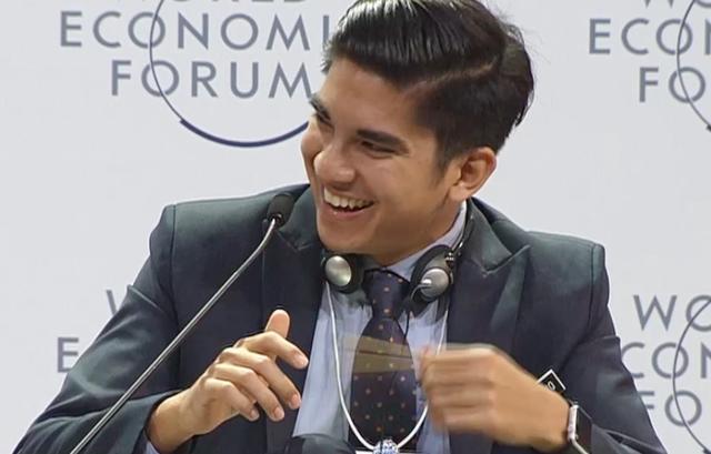 Chàng bộ trưởng Malaysia tuổi 25: Soái ca ngoài đời thực với đam mê chạy bộ và chơi điện tử - Ảnh 9.