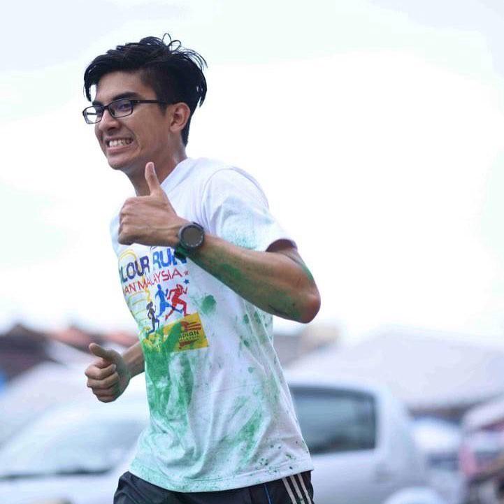 Chàng bộ trưởng Malaysia tuổi 25: Soái ca ngoài đời thực với đam mê chạy bộ và chơi điện tử - Ảnh 6.