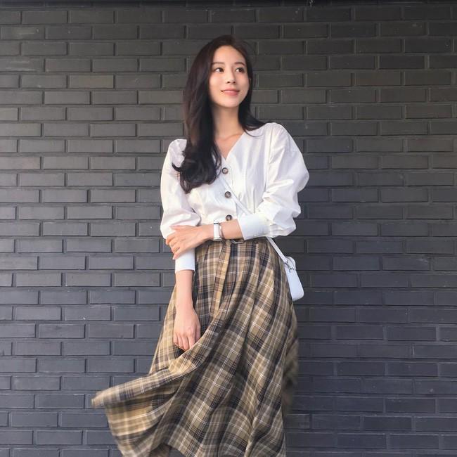 Muốn diện đồ đơn giản mà không bị nhàm chán, các nàng hãy ngắm qua street style Châu Á tuần này xem sao - Ảnh 10.